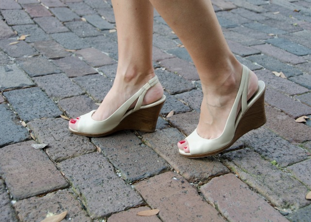 Cream wedges walking on cobblestones